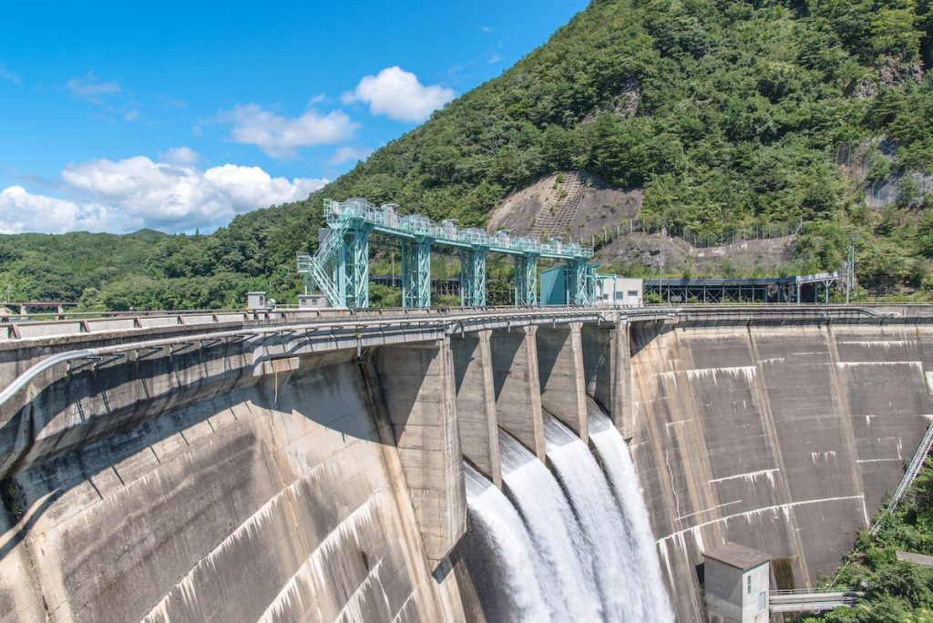 barrage électrique eau