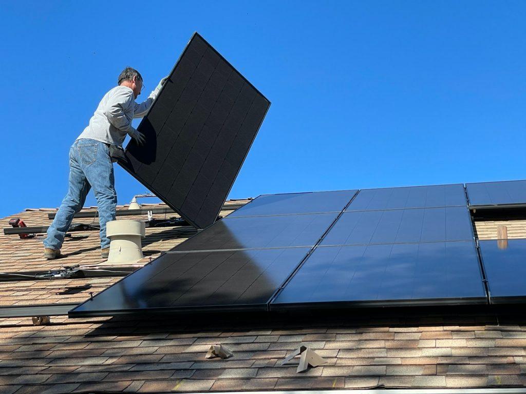 Pourquoi installer des panneaux photovoltaiques chez soi